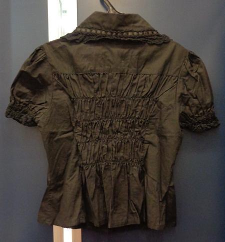 丸衿ブラウス半袖黒 (2).jpg