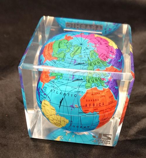 地球儀2.jpg