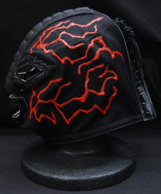 プロレス覆面マスクコーナーから、ビッグ・バン・ベイダー OJISAN製タグ付き 黒×黒フチ赤特殊筋 マスク 出します☆これはダイナミックな一枚が降臨したぜ~♪♪
